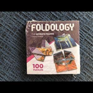 Foldology The Ultimate Folding Challenge NWT